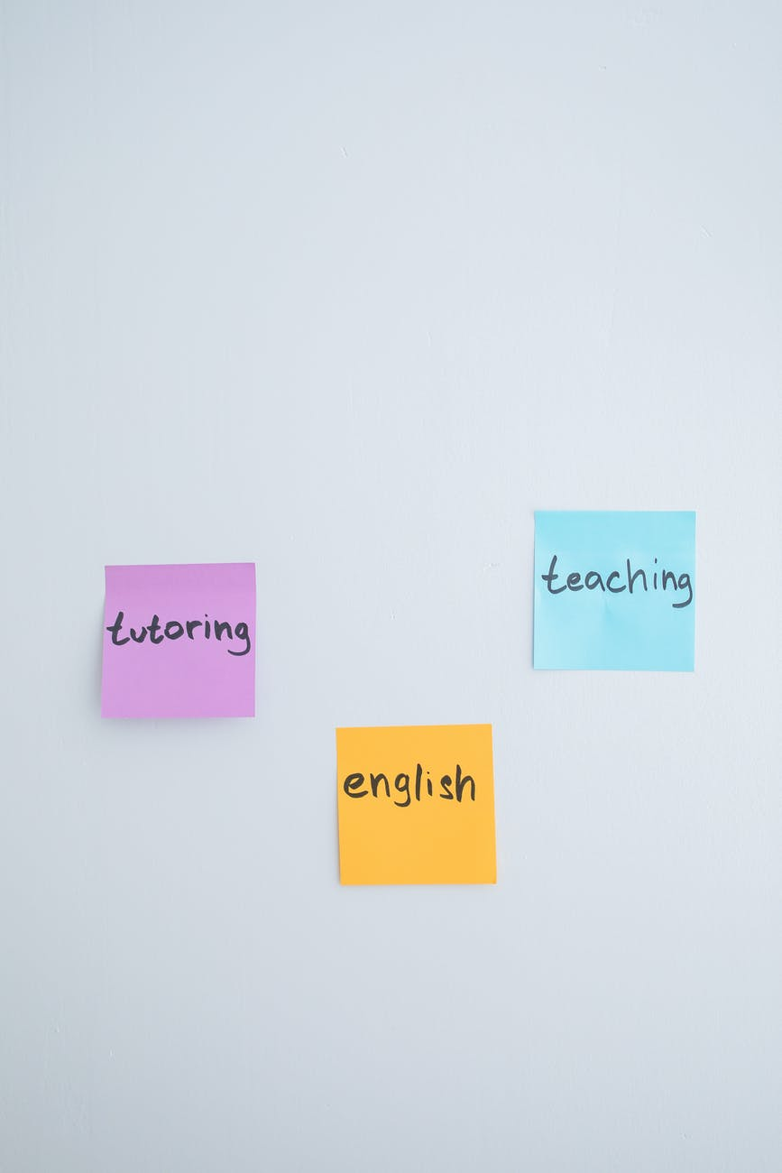 What´s the difference between an English exam and a test ofEnglish?